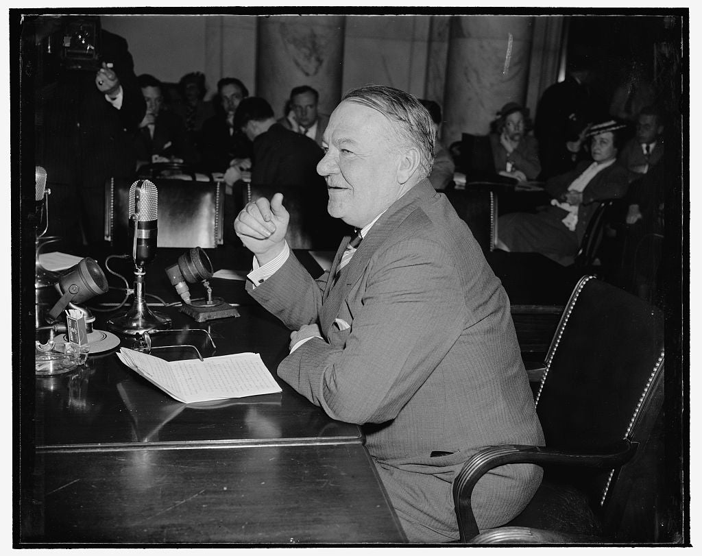 8 x 10 Reprinted Old Photo of Former Nrw Administrator Urges Independent Course For United States Abroad. Washington, D.C., April 24. Appearing As A Witness Before The Senate F 1938 Harris & Ewing 34a