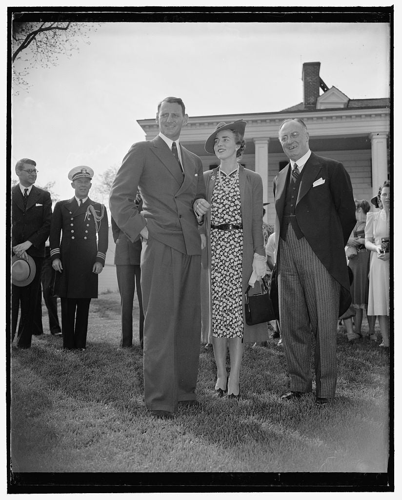 8 x 10 Reprinted Old Photo of Crown Prince Frederik And Princess From Denmark, Mount Vernon, Va. 1938 Harris & Ewing 25a