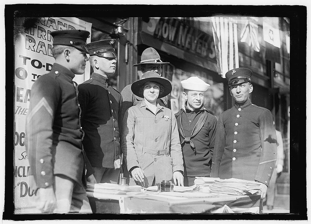 16 x 20 Reprinted Old Photo ofMiss Dora Rodrigues recruiting, World War I 1925 National Photo Co  46a