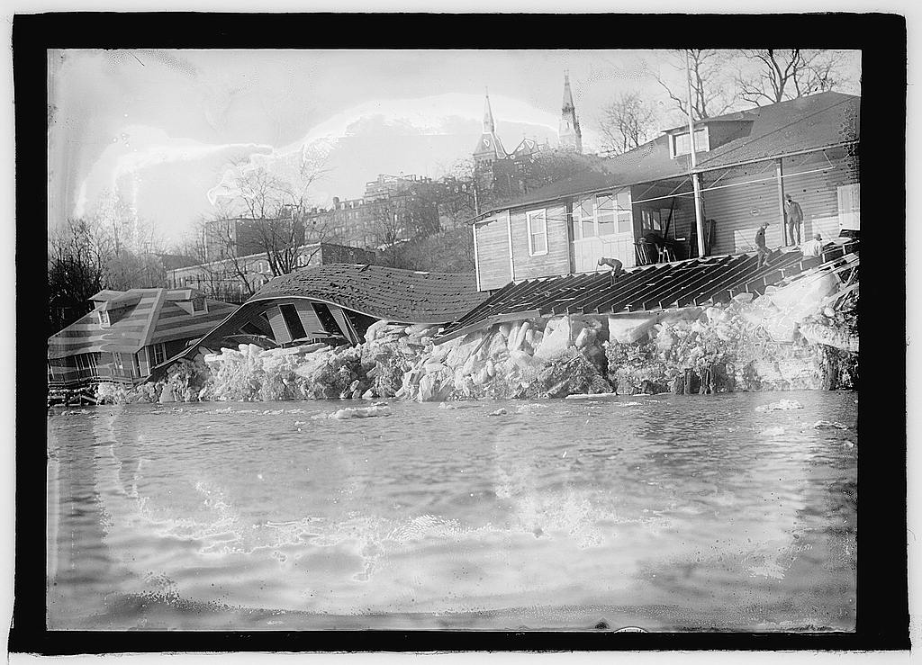 16 x 20 Reprinted Old Photo ofPotomac flood & ice, Georgetown, D.C. 1925 National Photo Co  58a