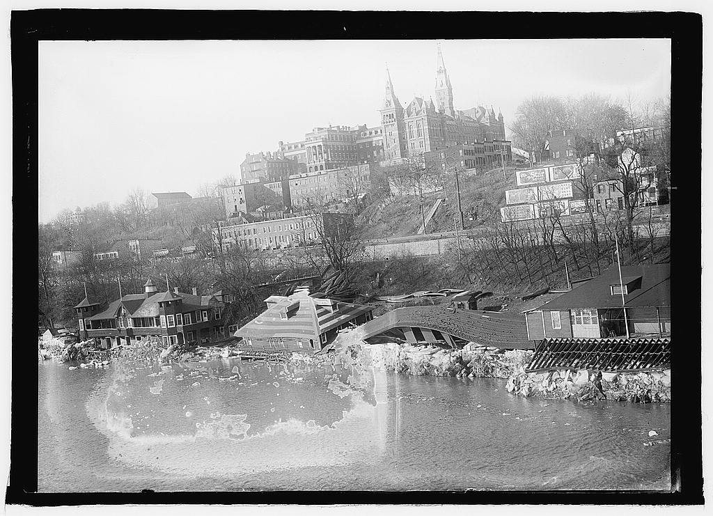 16 x 20 Reprinted Old Photo ofPotomac flood, Georgetown, D.C. 1925 National Photo Co  59a