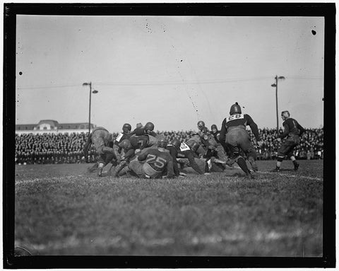8 x 10 Reprinted Old Photo of Football 1905-45 Harris & Ewing 85a