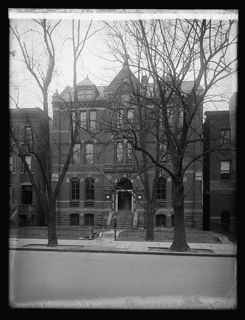 16 x 20 Reprinted Old Photo ofHerald, Old Holy Cross Academy, Mass. Ave. bet. 13 & 14, [Washington, D.C. 1921 National Photo Co  68a