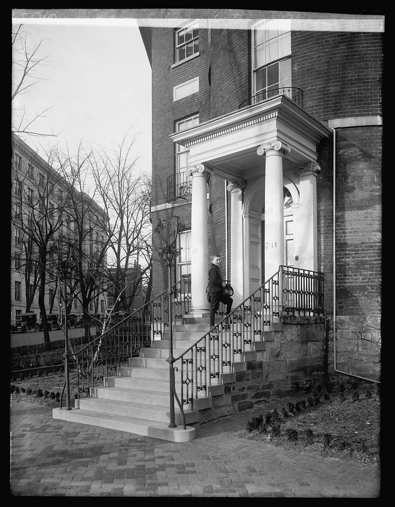 16 x 20 Reprinted Old Photo ofEdwards boy, Octagon House, [Washington, D.C. 1921 National Photo Co  02a