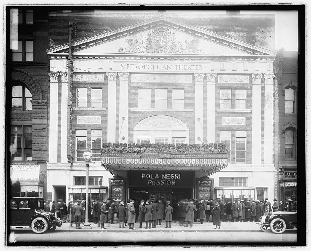 "16 x 20 Reprinted Old Photo ofMetropolitan Theater crowds ""Passion"", Washington, D.C. 1921 National Photo Co  08a"
