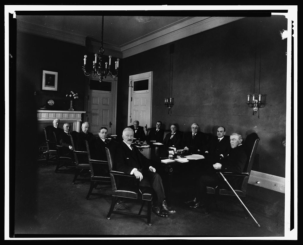 16 x 20 Reprinted Old Photo ofPres. Wilson's last Cabinet meeting 1921 National Photo Co  87a