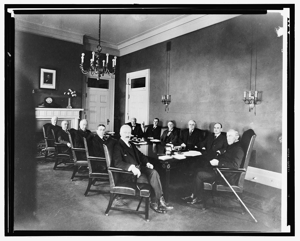16 x 20 Reprinted Old Photo ofPres. Wilson's last Cabinet meeting 1921 National Photo Co  88a