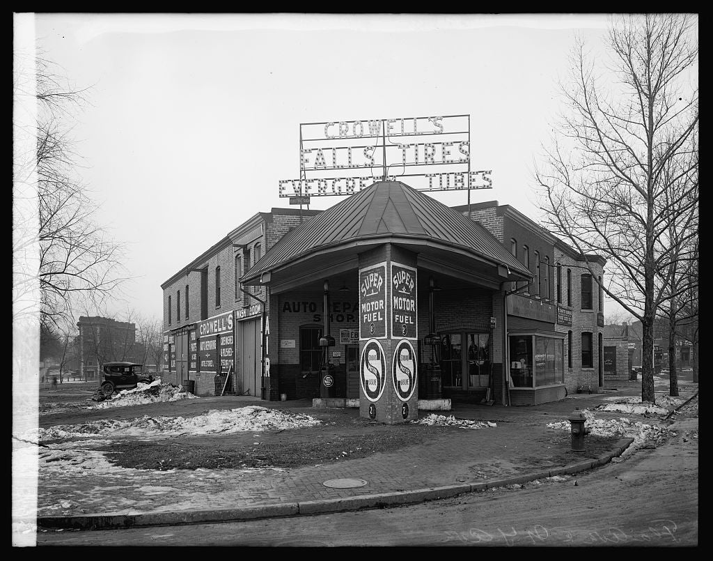 16 x 20 Reprinted Old Photo ofCrowell filling station, N.Y. & Fla. Aves., [Washington, D.C.] 1922 National Photo Co  65a