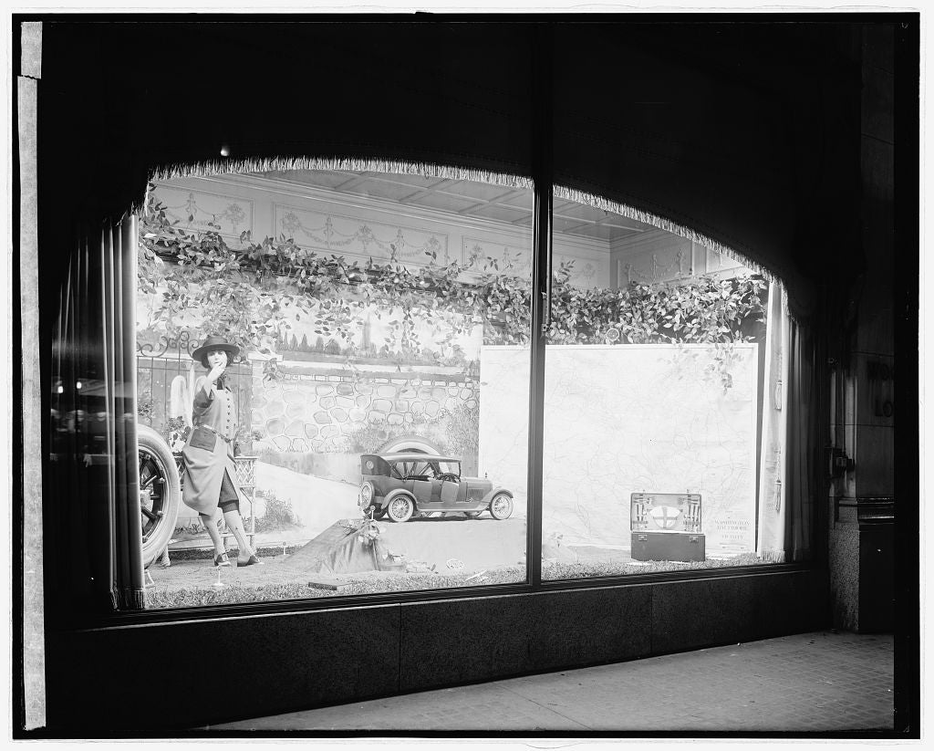 16 x 20 Reprinted Old Photo ofW&L window 1922 National Photo Co  06a