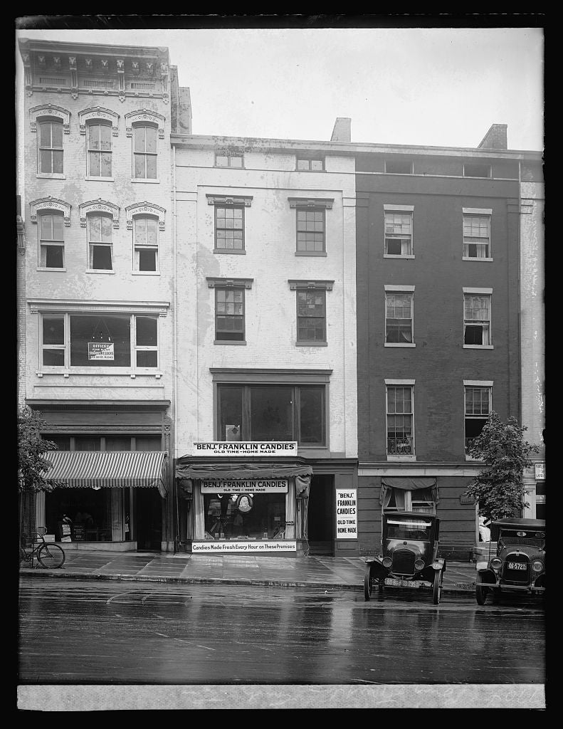 16 x 20 Reprinted Old Photo ofBenj. Franklin Candy Co., [Washington, D.C.] 1922 National Photo Co  36a