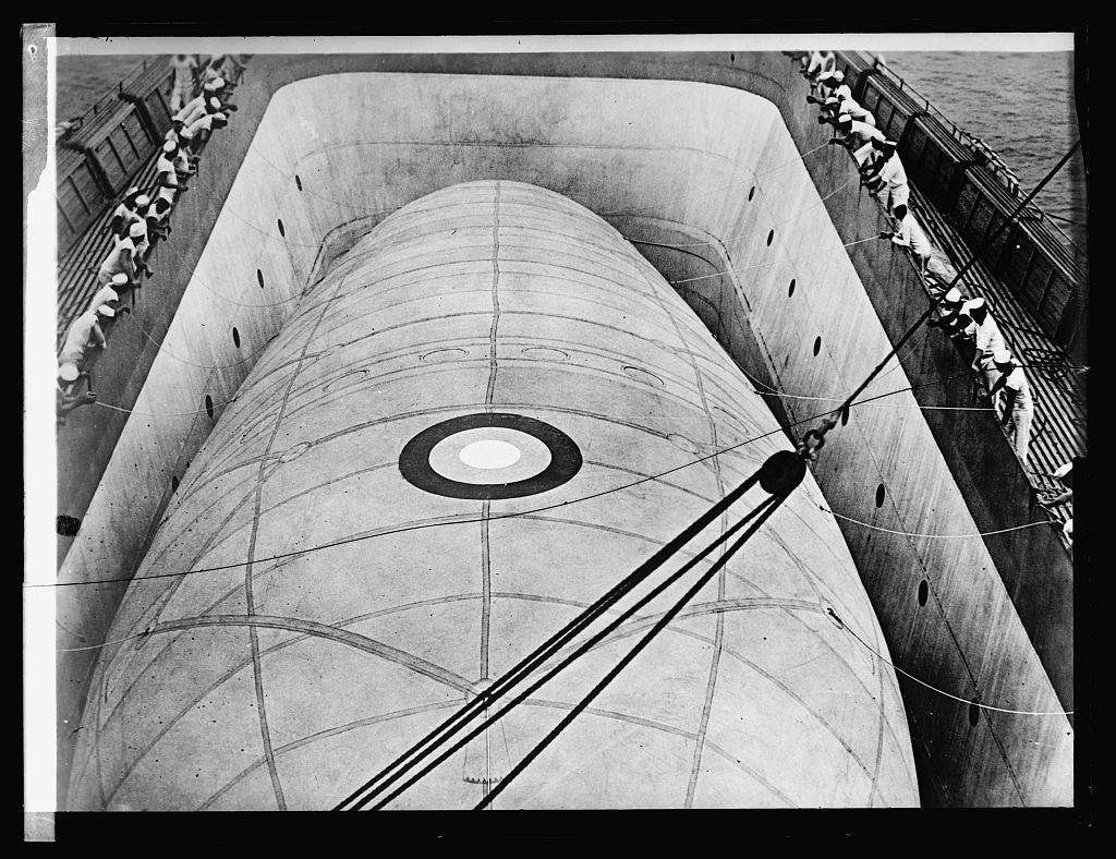 16 x 20 Reprinted Old Photo ofKite balloon in Well of U.S.S. Wright 1922 National Photo Co  43a