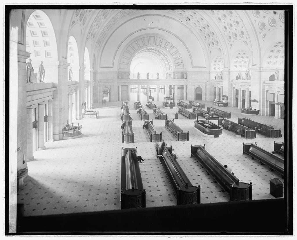16 x 20 Reprinted Old Photo ofUnion Station, [Washington, D.C.], waiting room 1922 National Photo Co  19a