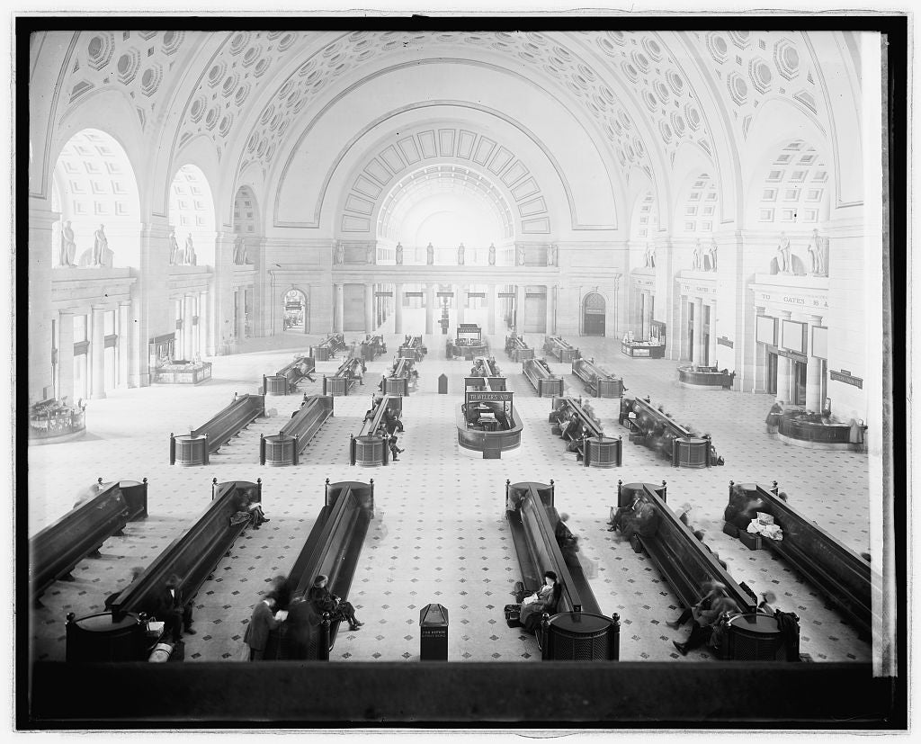 16 x 20 Reprinted Old Photo ofUnion Station, [Washington, D.C.], waiting room 1922 National Photo Co  20a