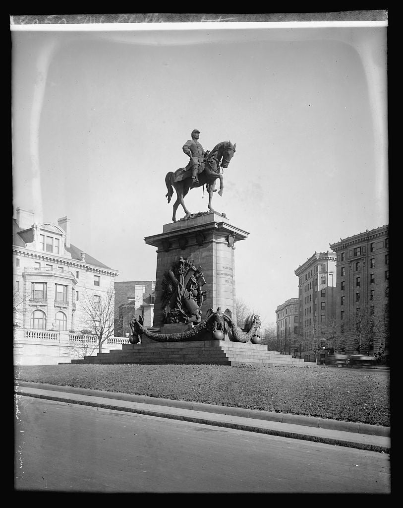 16 x 20 Reprinted Old Photo ofMcClellan Statue, [Connecticut Ave. and Columbia Rd., NW, Washington, D.C.] 1922 National Photo Co  00a