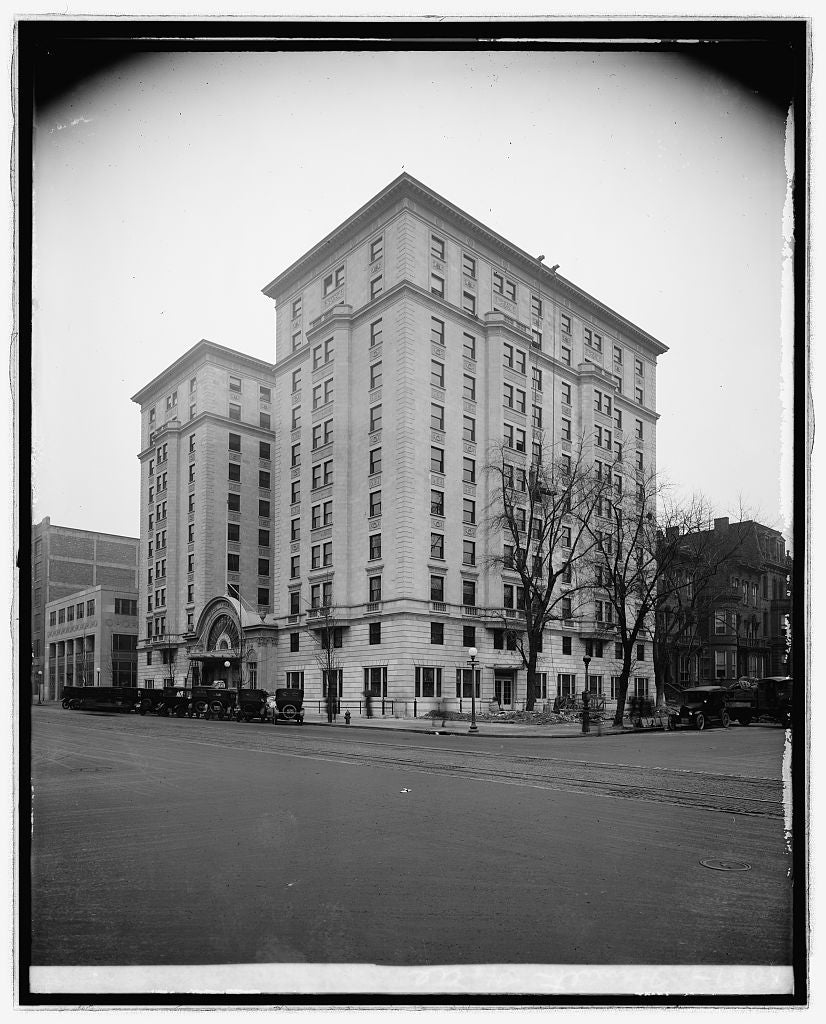 16 x 20 Reprinted Old Photo ofHamilton hotel, [Washington, D.C.] 1922 National Photo Co  07a