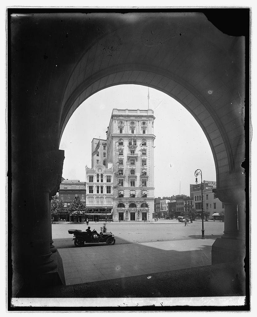16 x 20 Reprinted Old Photo ofStar bldg. from State War & Navy, [Washington, D.C. 1923 National Photo Co  23a