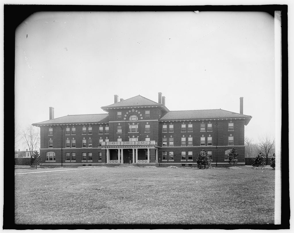 8 x 10 Reprinted Old Photo of Government Hospital for Insane, Nurses Home, [Washington, D.C. 1918 National Photo Co  76a