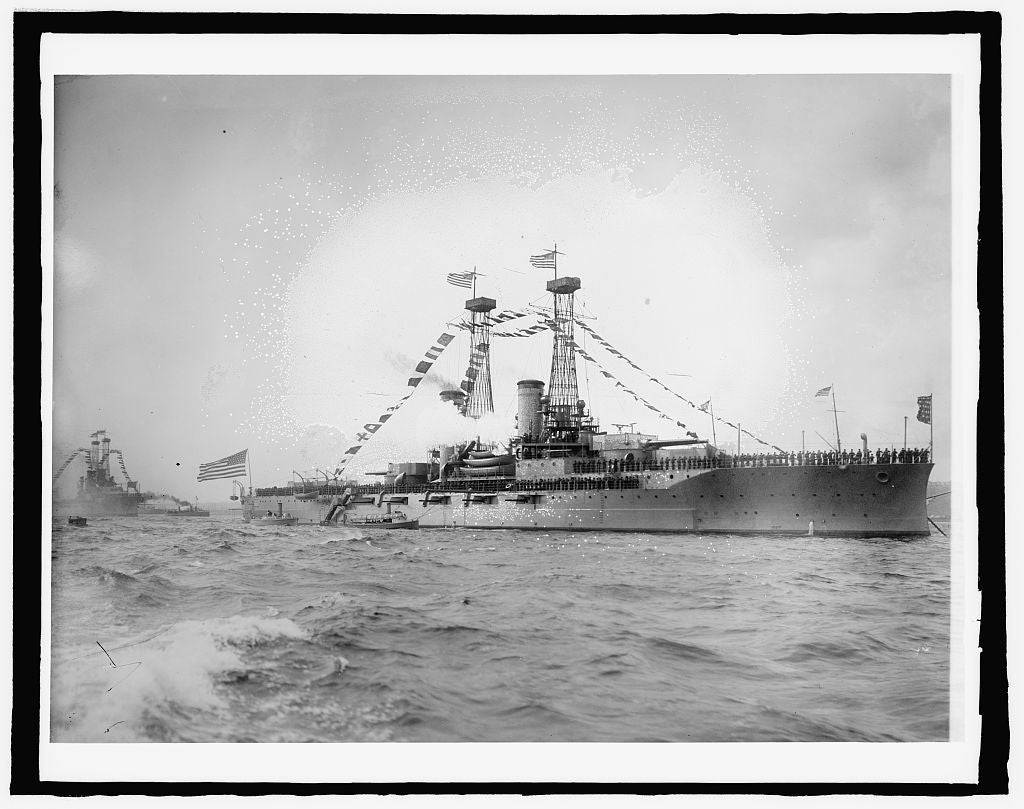 8 x 10 Reprinted Old Photo of U.S. Ship North Dakota 1918 National Photo Co  29a