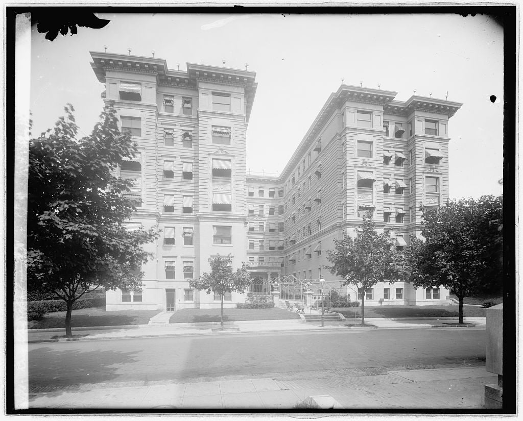 8 x 10 Reprinted Old Photo of Brighton Apartments, [Washington, D.C.] 1918 National Photo Co  54a