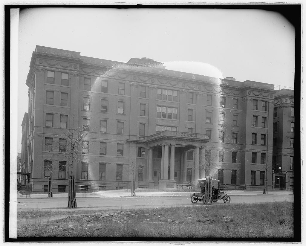 8 x 10 Reprinted Old Photo of Sibley Hospital, [Washington, D.C.] 1918 National Photo Co  69a