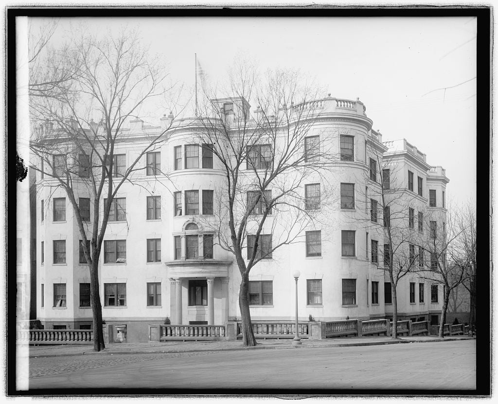 8 x 10 Reprinted Old Photo of Geo. Washington Inn 1918 National Photo Co  72a