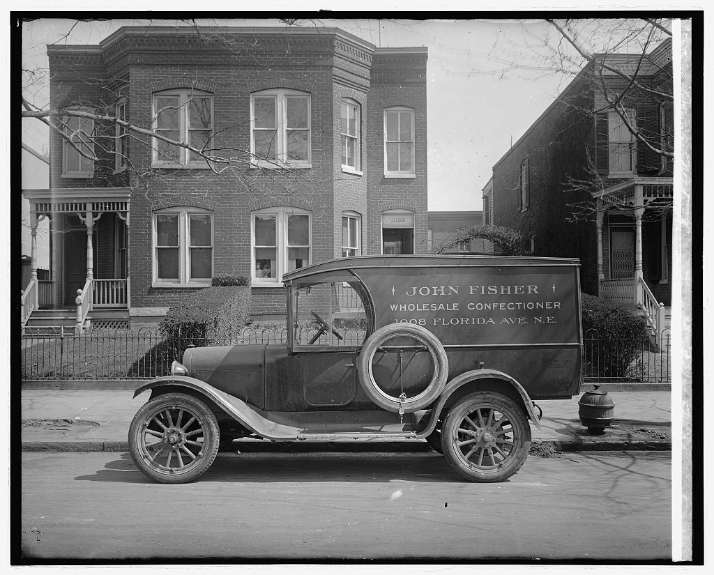 8 x 10 Reprinted Old Photo of Semmes Motor Co. John Fisher truck 1918 National Photo Co  79a