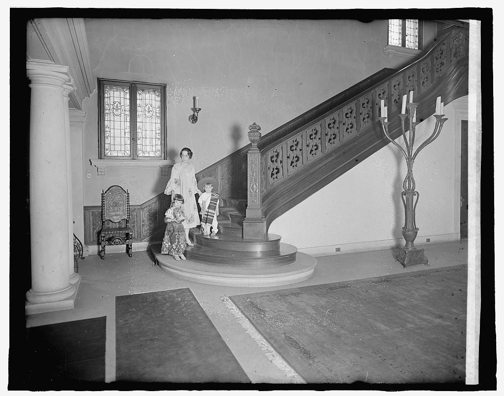 8 x 10 Reprinted Old Photo of Mexican Embassy, [Washington, D.C.]; Emilia & Jose Telley on staircase 1917 National Photo Co  22a
