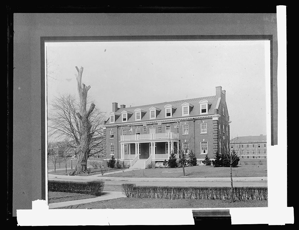 8 x 10 Reprinted Old Photo of Walter Reed Hospital, [Washington, D.C.], nurses home 1917 National Photo Co  40a