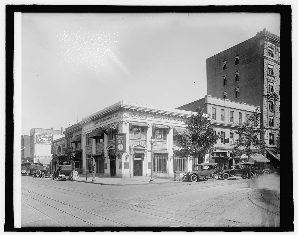 8 x 10 Reprinted Old Photo of Security Savings & Com'l Bank, [9th and G Sts., N.W., Washington, D.C. 1917 National Photo Co  49a