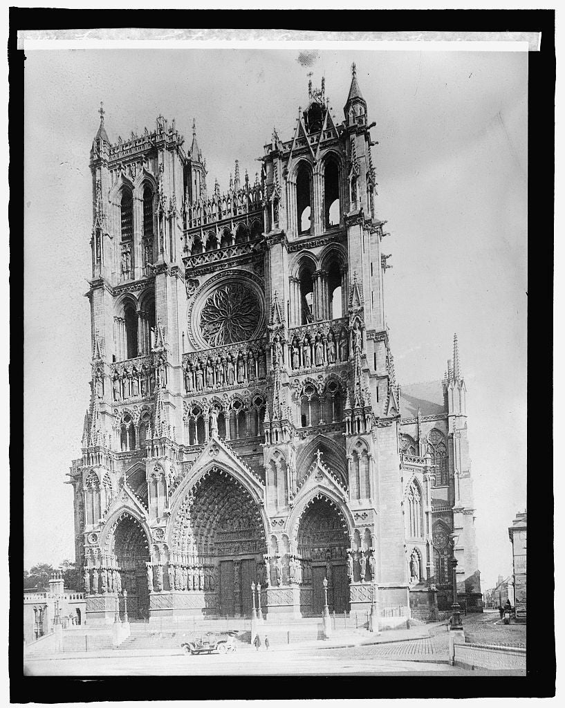 16 x 20 Reprinted Old Photo ofFrance, Cathedral at Amiens, West Fa?ade 1920 National Photo Co  61a