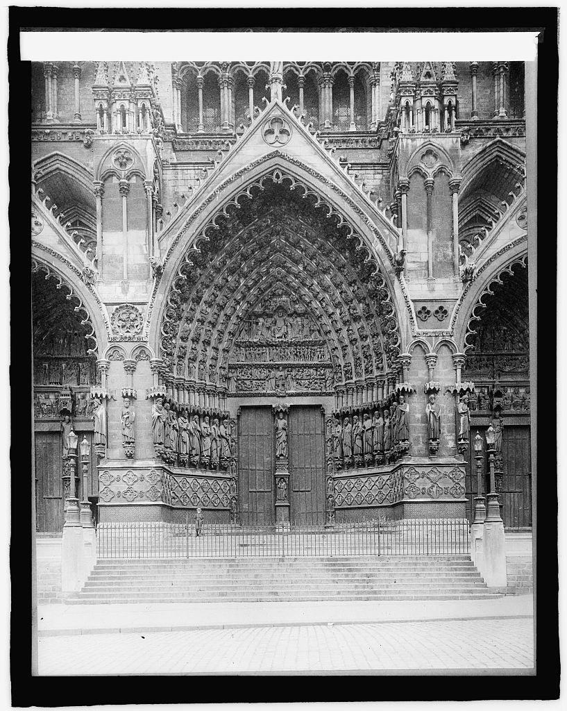 16 x 20 Reprinted Old Photo ofFrance, Amiens Cathedral, Center Portal 1920 National Photo Co  64a