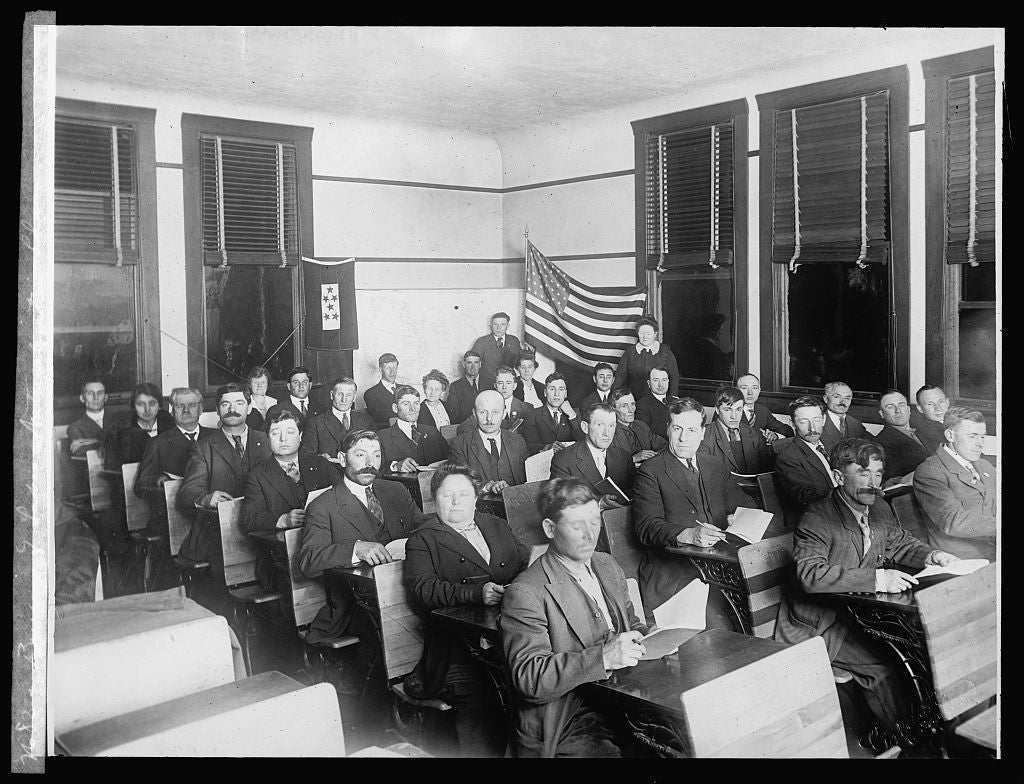 8 x 10 Reprinted Old Photo of Bureau of Labor, Naturalization class 1924 National Photo Co  30a