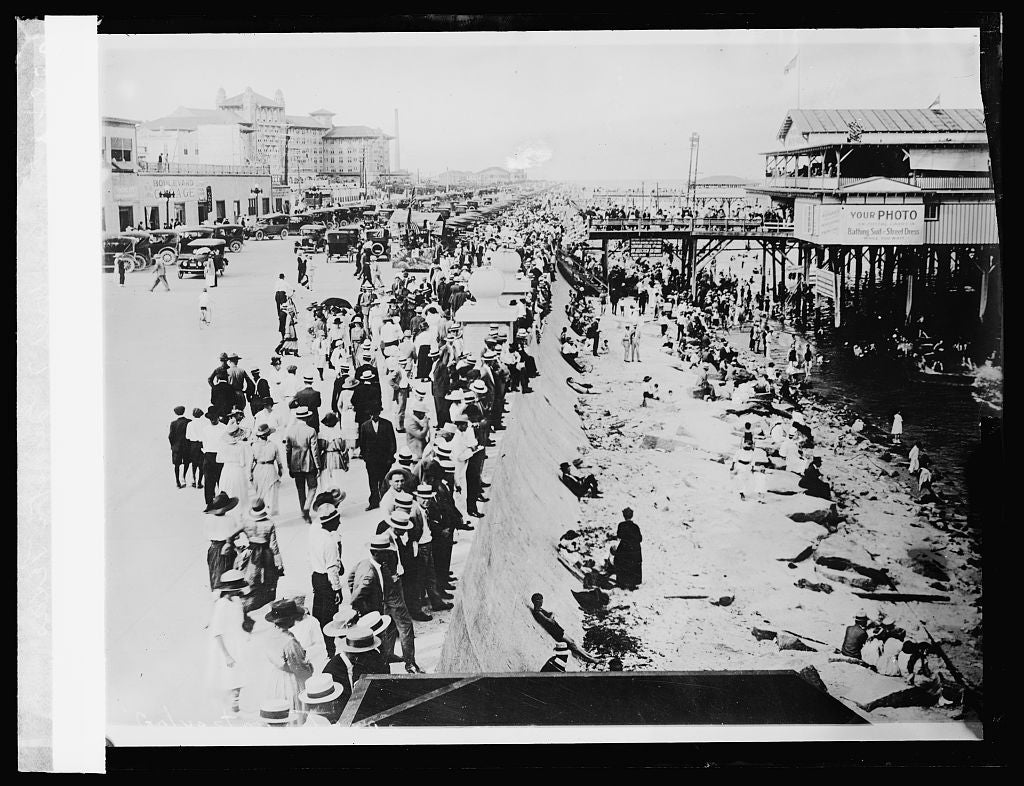 8 x 10 Reprinted Old Photo of Great Sea Wall of Galveston, Texas 1924 National Photo Co  38a
