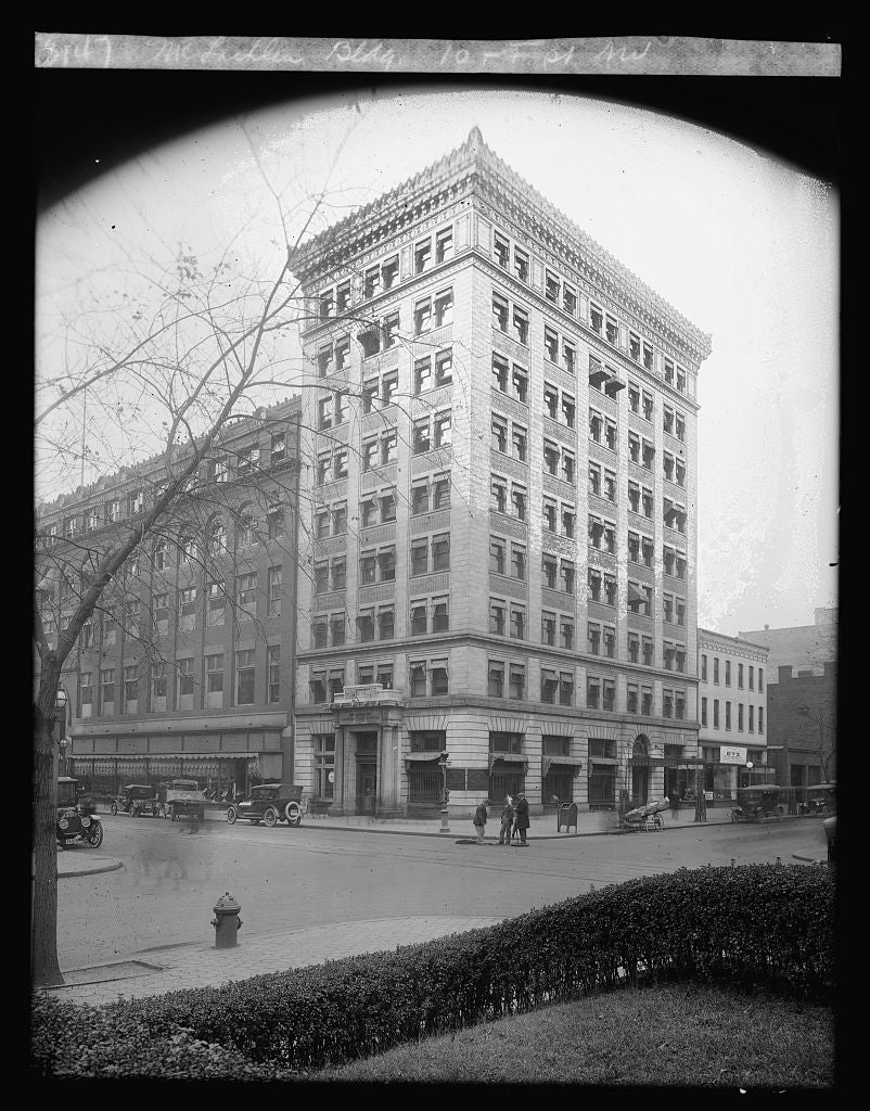8 x 10 Reprinted Old Photo of McLachlen Bldg. 10 & F, N.W., [Washington, D.C.] 1923 National Photo Co  54a