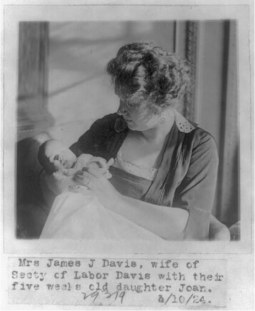 16 x 20 Reprinted Old Photo of Mrs. James J. Davis, wife of the Secy. of Labor, with their 5-week old daughter Joan 1924 National Photo Co  25a