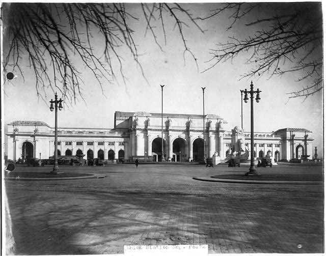 8 x 10 Reprinted Old Photo of [Union Station, Wash., D.C., ca. 192-. Full view from southeast] 1921 National Photo Co  56a