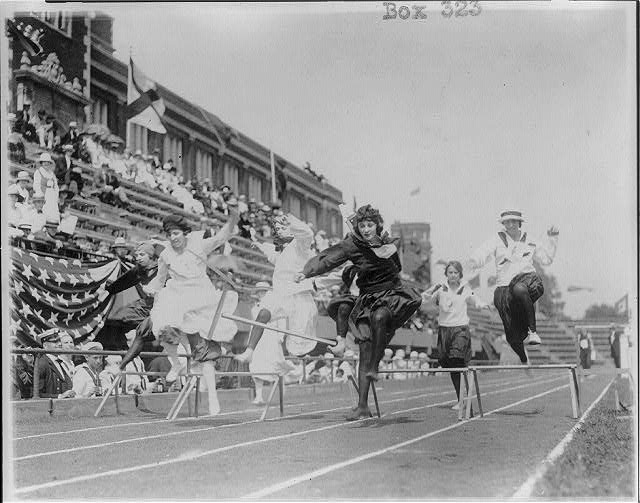 8 x 10 Reprinted Old Photo of Women competing in low hurdle race, Washington, D.C. 1925 National Photo Co  70a