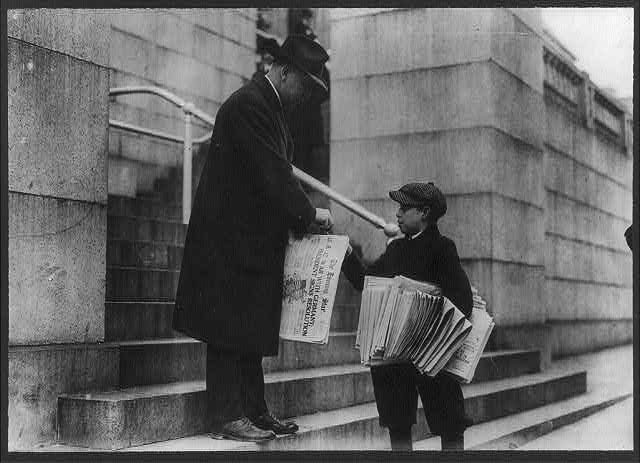 "8 x 10 Reprinted Old Photo of Man buying The Evening Star from newsboy, Washington, D.C. - headline reads ""U.S. at War with Germany"" 1917 National Photo Co  77a"