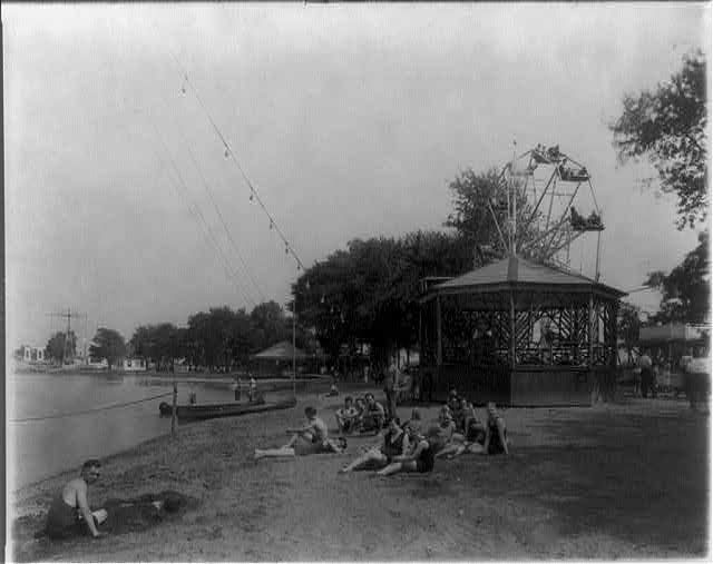 8 x 10 Reprinted Old Photo of Along the waterfront, Arlington Beach Park, Va. 1925 National Photo Co  31a