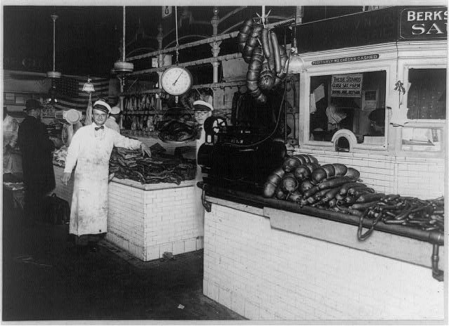 8 x 10 Reprinted Old Photo of Stephen Frank market, Washington, D.C. 1920 National Photo Co  38a