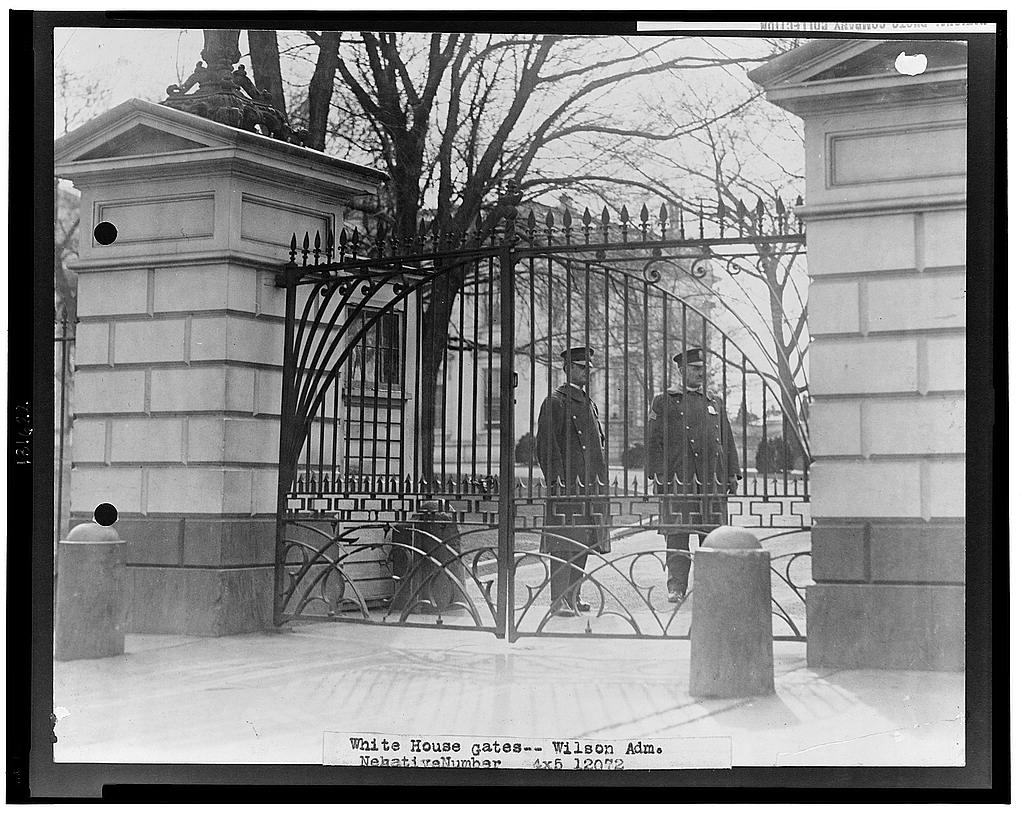 8 x 10 Reprinted Old Photo of White House gates - Wilson adm. 1917 National Photo Co  72a