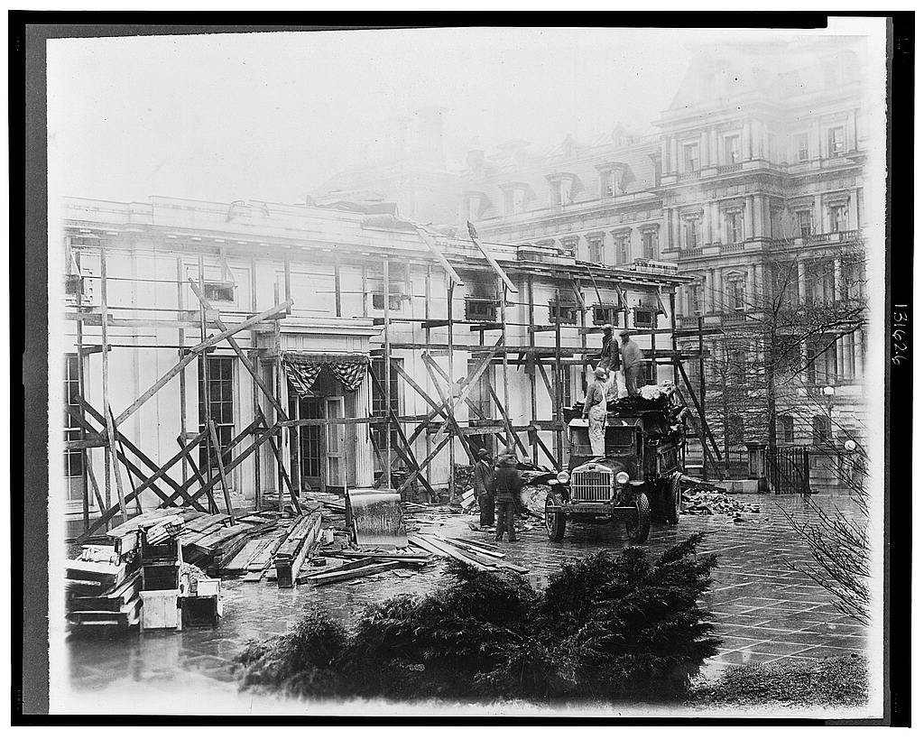 8 x 10 Reprinted Old Photo of Executive offices undergoing repairs 1930 National Photo Co  76a