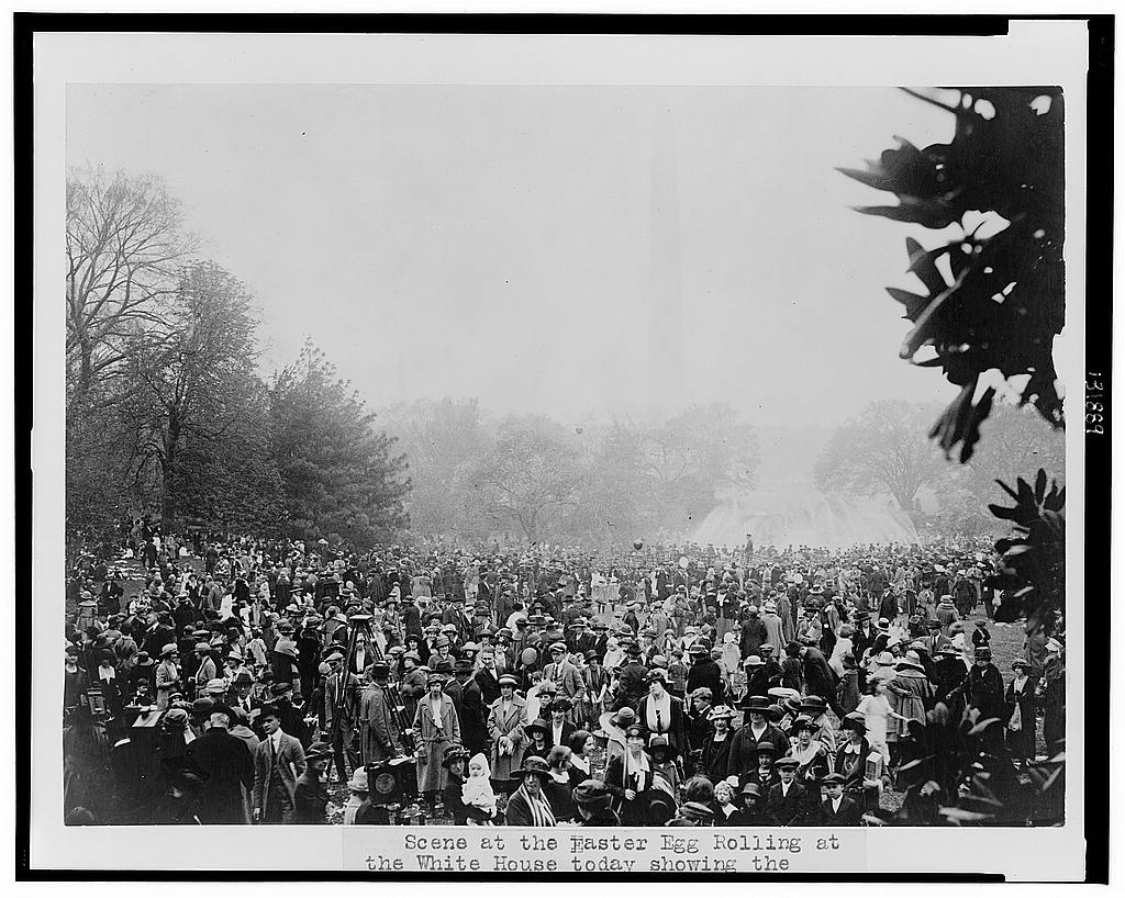 8 x 10 Reprinted Old Photo of Scene at the Easter egg rolling at the White House today showing the [Washington] Monument in the background 1922 National Photo Co  53a