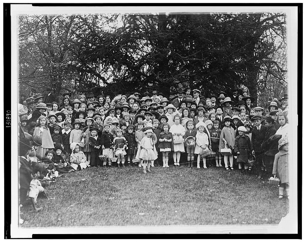 8 x 10 Reprinted Old Photo of A group of happy y[oungst]ers who rolled their Easter eggs [on] the White House lawn today 1922 National Photo Co  54a