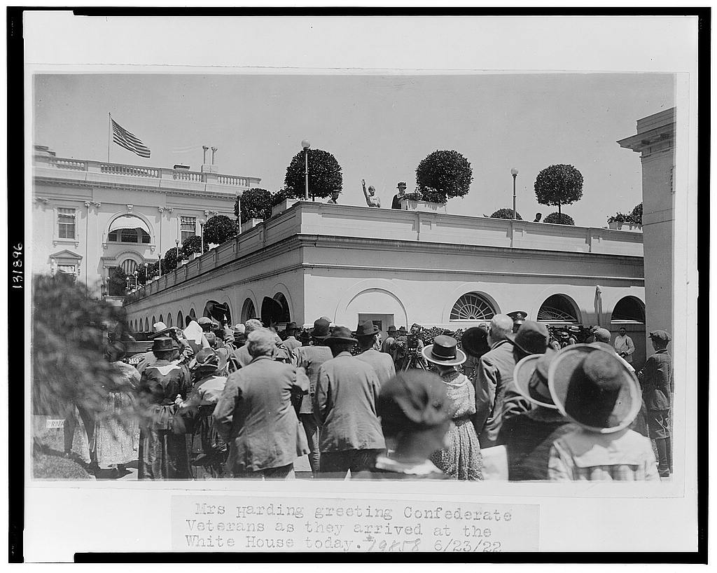 8 x 10 Reprinted Old Photo of Mrs. Harding greeting Confederate veterans as they arrived at the White House today 1922 National Photo Co  60a