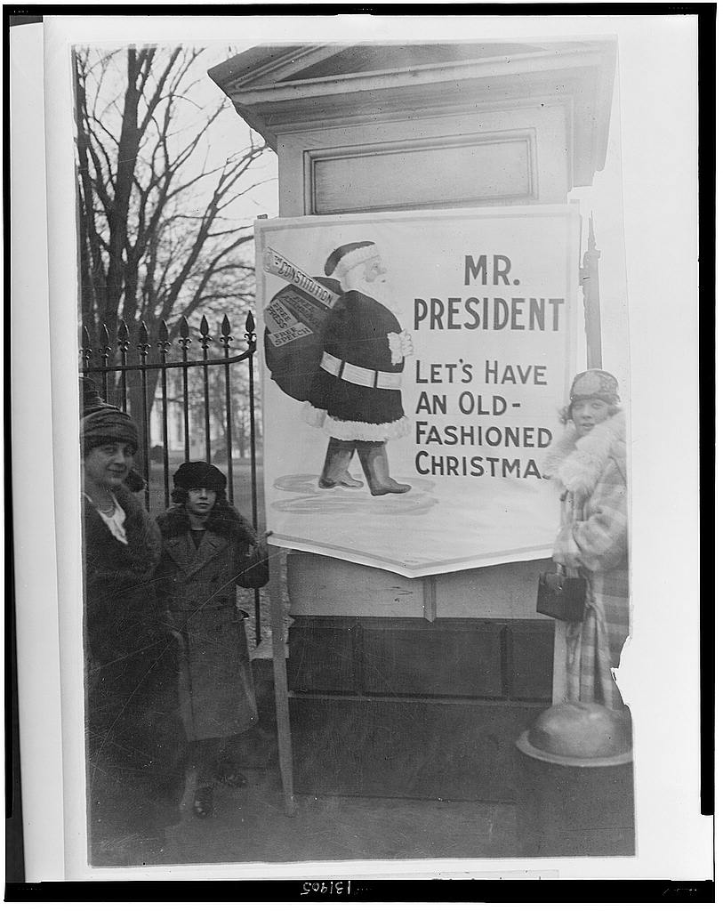 8 x 10 Reprinted Old Photo of A political amnesty picket at the White House today 1922 National Photo Co  23a