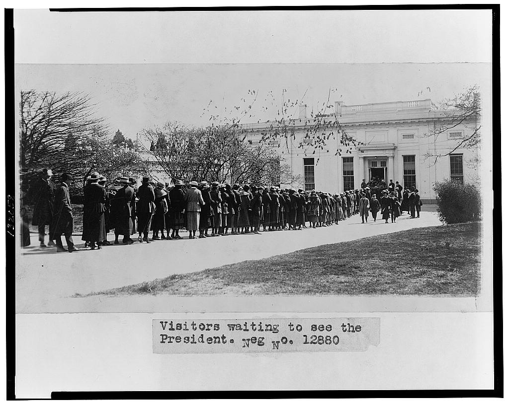 8 x 10 Reprinted Old Photo of Visitors waiting to see the president 1921 National Photo Co  96a