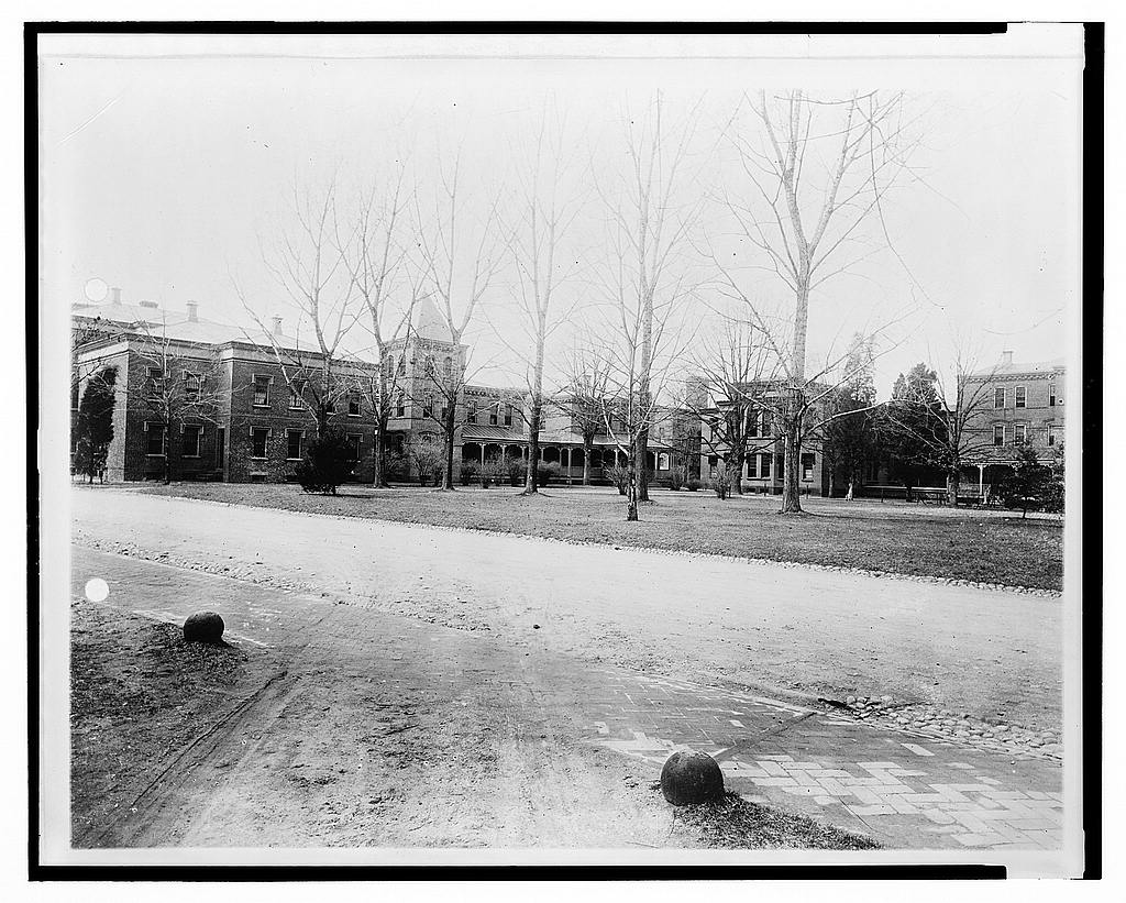 8 x 10 Reprinted Old Photo of Saint Elizabeth's [Hospital, Washington, D.C.] 1921 National Photo Co  58a