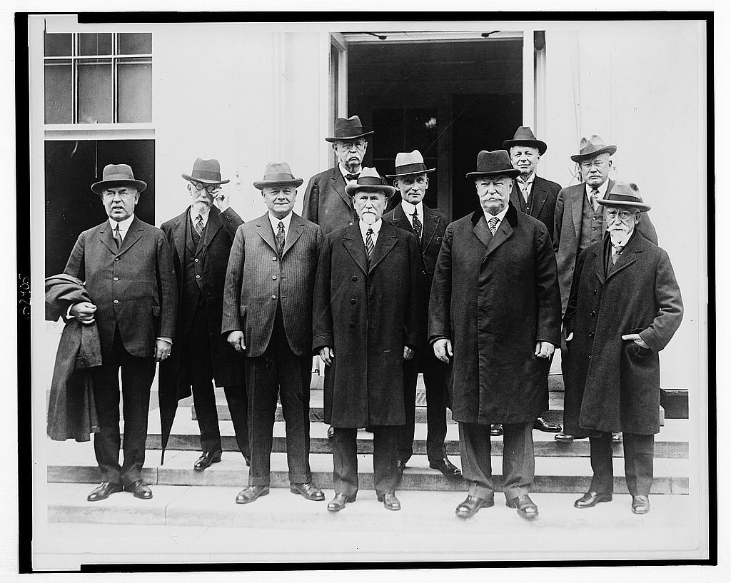 8 x 10 Reprinted Old Photo of The United States Circuit Court judges who are here for their annual conference, accompanied by Chief Justice William H. Taft, today called on 1929 National Photo Co  67a