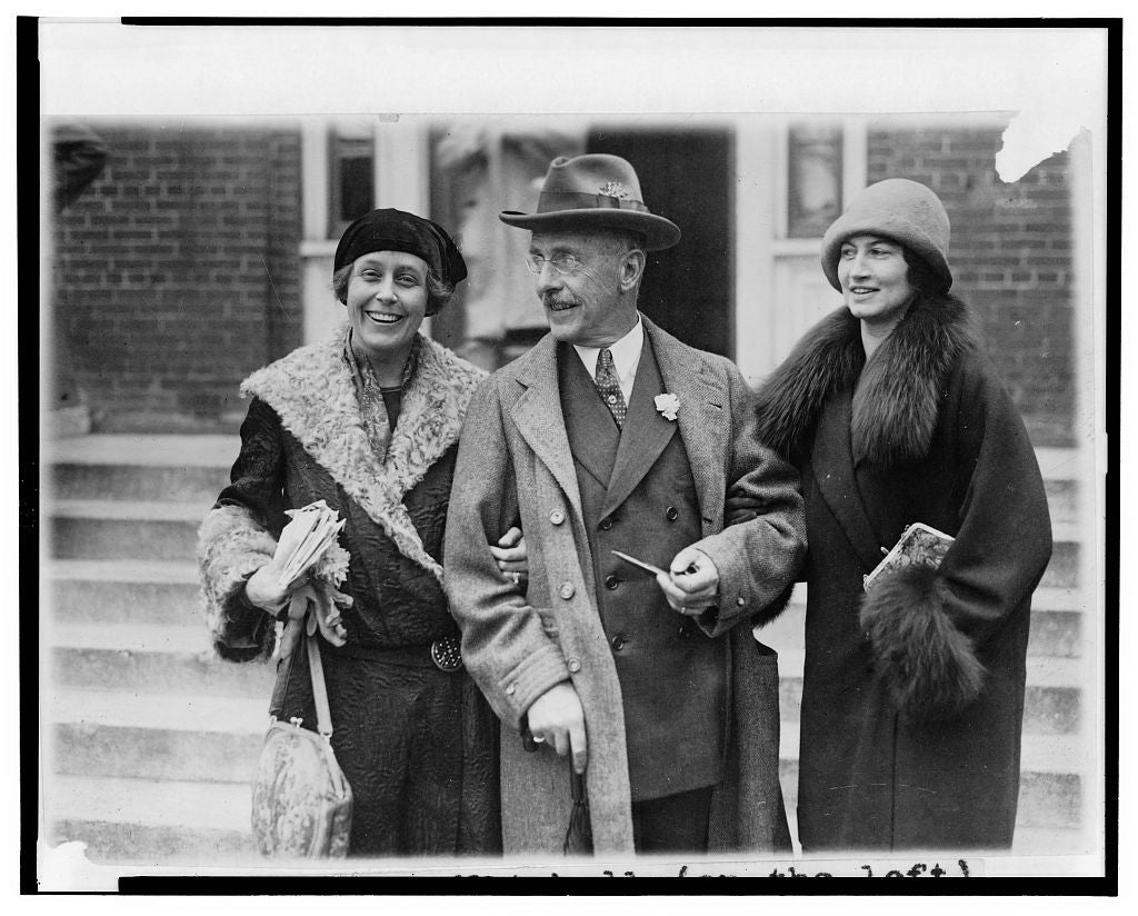 8 x 10 Reprinted Old Photo of Mrs. William [Caroline Stoddard] Mitchell (on the left), Mr. Sidney Miller, father of Mrs. Mitchell, and Mrs. Arthur Young, sister of Col. Mit 1925 National Photo Co  72a